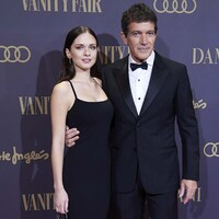 Proud dad Antonio Banderas shows off daughter Stella on the red carpet
